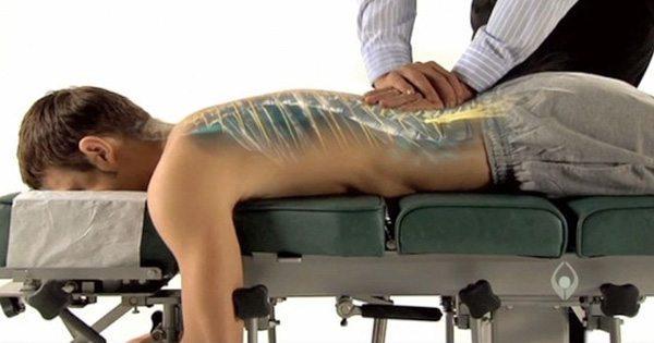 ¿Como se realiza un ajuste quiropráctico?